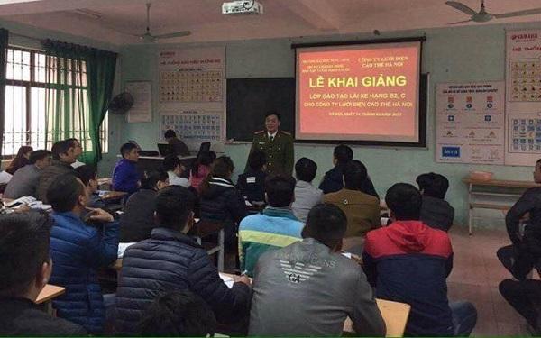 học lái xe b1 lý thuyết, Học lái xe ô tô tại quận Cầu Giấy Hà Nội