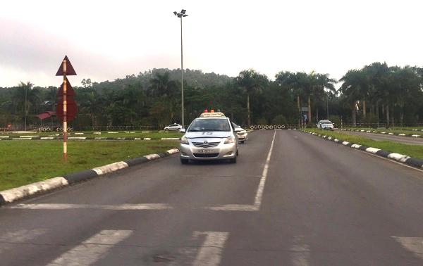 Học lái xe ô tô tại quận Ba Đình
