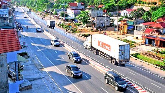 quy định về tốc độ và khoảng cách khi tham gia giao thông